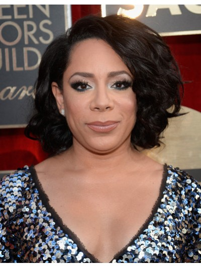 Selenis Leyva Curled Out Bob Wig