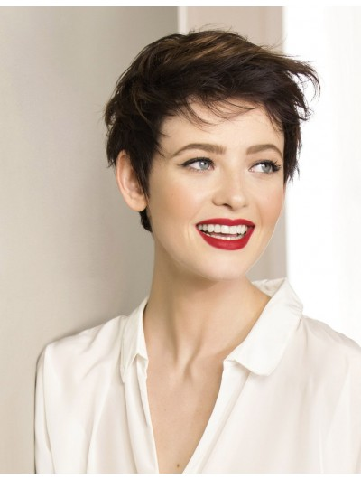 Flirty Short Hair Wavy Capless Wig