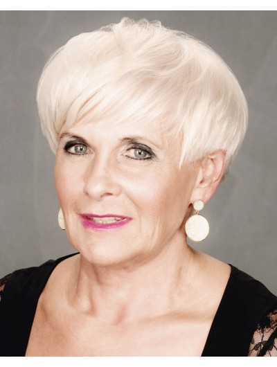 Mature And Sassy Short Synthetic Hair Wig