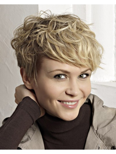Playful Pixie Cut Wavy Short Wig